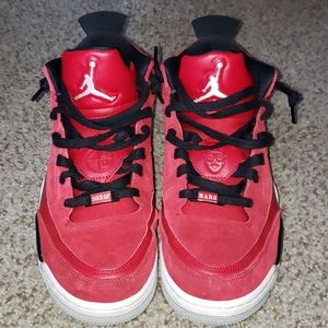 Men's 10.5 Jordan Son of Mars shoe